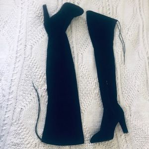NWOT Black Suede Thigh High Heeled Boots